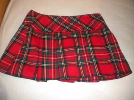 mini jupe cossaise rouge par buy yourself blog paris. Black Bedroom Furniture Sets. Home Design Ideas