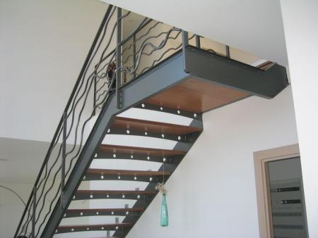 Escalier m tal et bois par regisrenov blog montigny en gohelle - Escalier bois et metal ...
