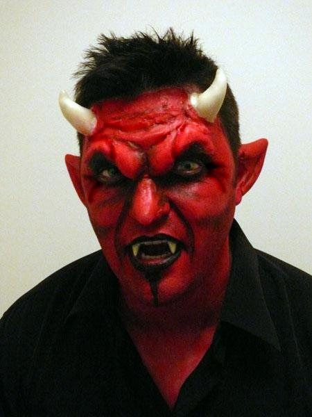 maquillage de diable par happy halloween blog. Black Bedroom Furniture Sets. Home Design Ideas